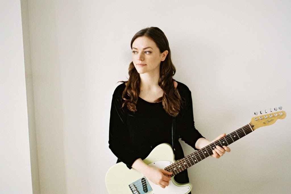 Promo image of Siobhan Wilson for her UK tour