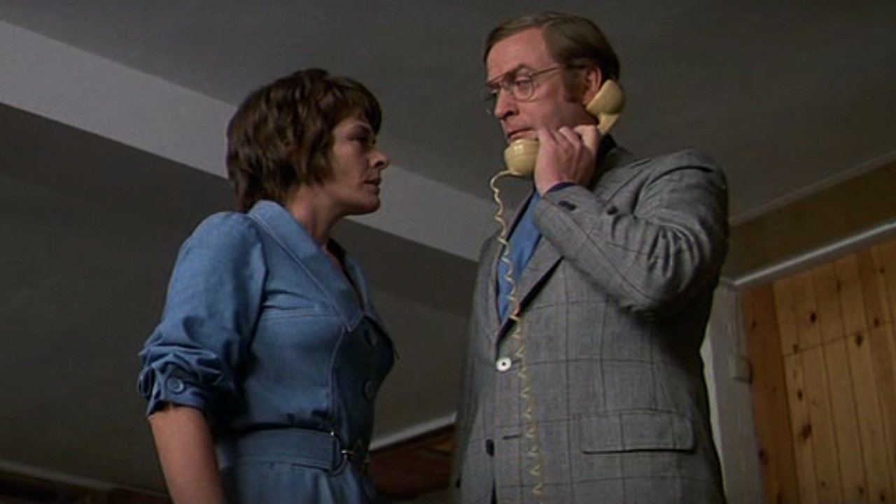The Tarrants receiving a phone call