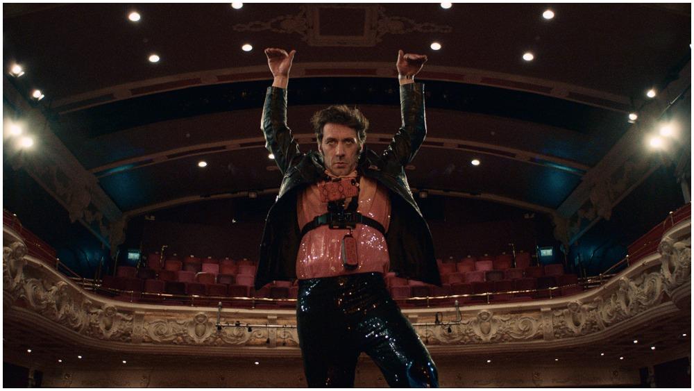 Paul Dood on stage
